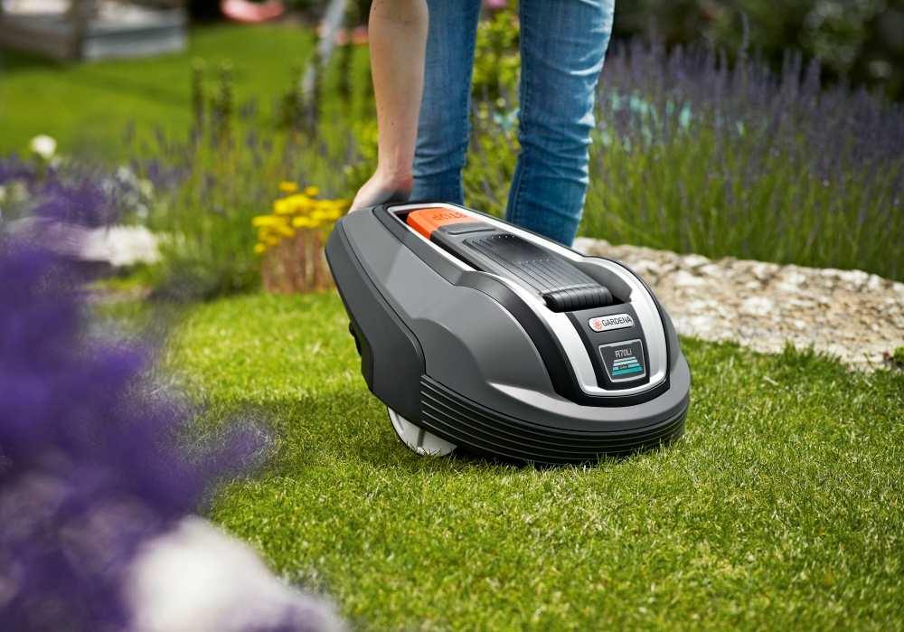 i robot rasaerba gardena look ten minutes diy and garden. Black Bedroom Furniture Sets. Home Design Ideas